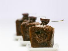 Schoko-Nutella-Muffin mit flüssigem Kern | http://eatsmarter.de/rezepte/schoko-nutella-muffin