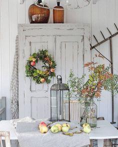 All Things Shabby and Beautiful Halloween Fireplace, Fall Fireplace, Shabby Chic Patio, Shabby Chic Decor, Nordic Home, Scandinavian Home, Farmhouse Design, Farmhouse Decor, Farmhouse Style