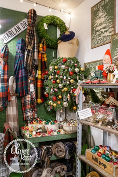 Belts around blankets so cute! oliver and rust: christmas 2016 vintage corner Christmas Booth, Diy Christmas Lights, Christmas Train, Country Christmas, Vintage Christmas, Christmas Diy, Christmas Decorations, Christmas Store Displays, Merry Christmas