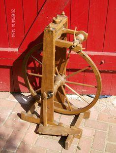 Spinnrad ca.200 Jahre alt in Antiquitäten & Kunst, Mobiliar & Interieur, Kleinmöbel & Raumaccessoires | eBay