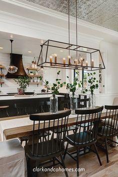 Modern Farmhouse Kitchens, Home Kitchens, Home Decor Kitchen, Kitchen Dining, Island Kitchen, Kitchen Cabinetry, Cupboards, Diy Kitchen, Kitchen Storage