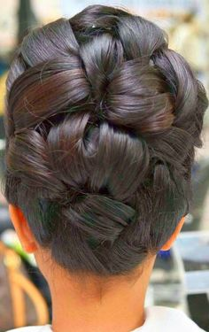 Beeindruckend - New Sites Dance Hairstyles, Retro Hairstyles, Wedding Hairstyles, Braided Updo For Short Hair, Knotted Braid, Curly Hair Styles, Natural Hair Styles, Ballroom Hair, Bridal Hair And Makeup