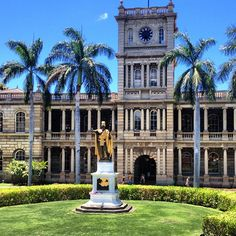 This is the classic picturesque shot often seen on Hawaii Five-0! The original King Kamehameha statue stands in front of Aliʻiolani Hale in Downtown Honolulu.