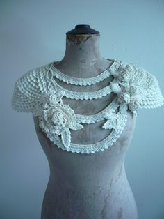 Love these crochet sleeve caps! An inspiring way to create freeform crochet tops and jackets. Start with the sleeve caps, then join them to form the front and back. Col Crochet, Crochet Collar, Freeform Crochet, Crochet Woman, Crochet Blouse, Crochet Scarves, Irish Crochet, Crochet Shawl, Crochet Clothes