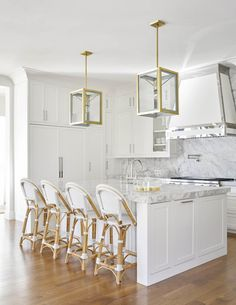 Bright, Traditional Home with a Hint of Glam — Cobalt + Gold #interiordesign #interiorinspiration #kitchendesign #kitchens #blog