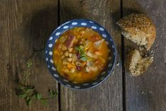 Copycat Carrabbas Minestrone Soup - #ReImagineDieting Sign up for more weight loss recipes like this at fullplateliving.org