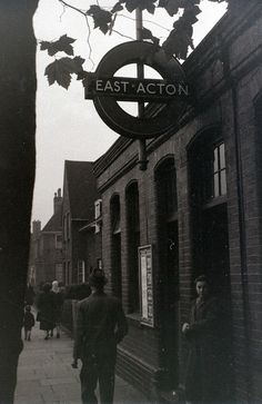 Many a journey made from this tube station with Mum and Dad, travelling up to Marble Arch on the Central Line! Vintage London, Old London, West London, Underground Tube, London Underground, London History, British History, London Transport, London Photos
