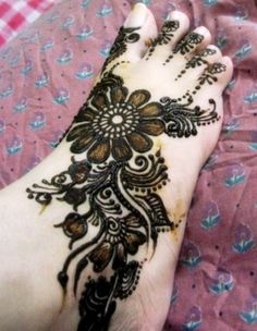 Beautiful Trendy Mehandi Green Henna for Feet