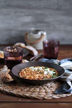 Μινεστρόνε με μαυρομάτικα φασόλια και κριθαράκι The One, Main Dishes, Recipies, Food And Drink, Rice, Gastronomia, Main Course Dishes, Recipes, Entrees