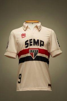 Novas camisas do São Paulo, inspiradas nos anos 40, homenageiam Leônidas Guia do Boleiro