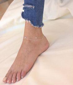 Solid Sterling Silver 7 mm Tiny Barefoot empreintes pieds clous d/'oreilles