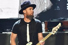 Pearl Jam's Jeff Ament Uses His Shirt to Pay Respect to Rock Hall's Ignored Musicians - http://www.okgoodrecords.com/blog/2017/04/10/pearl-jams-jeff-ament-uses-his-shirt-to-pay-respect-to-rock-halls-ignored-musicians/ - A highlight from the Rock and Roll Hall of Fame induction ceremony was Pearl Jam's bassist Jeff Ament, who appropriately chose to dedicate a part of his speech, as well as his shirt, to shed light on the musicians who the Rock Hall has omitted over the y