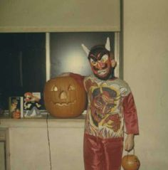 Vintage Halloween Photos, Retro Halloween, Boxing Halloween Costume, Halloween Masks, Cool Costumes, Vintage Costumes, Halloween Apples, Season Of The Witch, Family Album