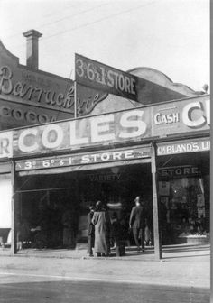 1914 - 1919 Coles first store, 288 Smith Street, Fitzroy, Victoria Australia Australia Day, Victoria Australia, Melbourne Australia, Old Pictures, Old Photos, Vintage Photos, Melbourne Suburbs, Australian Vintage, Melbourne Victoria
