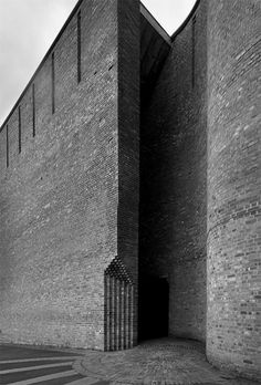 St Bride's Church in East Kilbride Kirk, New Town Scotland by Gillespie, Kidd & Coia Architecture, 1963 Monumental Architecture, Church Architecture, Religious Architecture, Architecture Details, Interior Architecture, Temples, Architecture Religieuse, St Brides, Stone Cladding