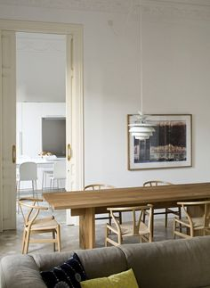 Sigh, my obsession with farmhouse tables will never end. While I prefer the bench, they do look super fresh with these Wegner wishbone chairs.