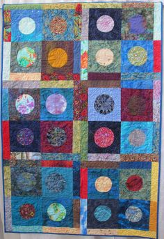 Blue Moon by Heather Jacobson, quilted by Kathy Ritter. 2014 Voices in Cloth, photo by The Plaid Portico