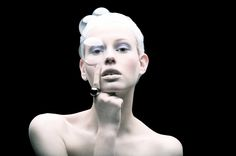 TOMAAS, a Paris-based fashion and beauty photographer, explores the beauty of plastic material in this surreal and sci-fi-look photography series titled Plastic Fantastic. The photographer captured the ethereal beauty of the white-washed complexion models adorned with glittering plastic items we use everyday, such as bottles, bags, forks, straws, tubes, etc.  http://momentsjournal.com/plastic-fantastic-surreal-photography-series-tomaas-capturing-ethereal-beauty-women-adorned-plastic-items/