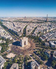   Paris, France - By @zweizwei   Tag A Friend! Spread The Wealth! Snapchat @LuxuriousClub   #LuxuriousClub _______________________________ #luxurious #luxurylife #billionaire #luxury #paris #france #dubai #italy #nyc #rollsroyce #ferrari #bugatti...