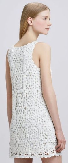 Vestido de crochê com quadrados