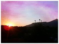 Lever de soleil sur la montagne de la Rhune  www.urrugne.com