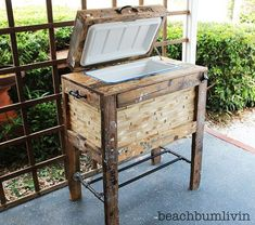 rustic cooler box made from recycled pallets, diy, how to, pallet, repurposing upcycling, Box made from Recycled Pallets That s a 48 quart cooler on the inside