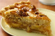 Maple Bourbon Brown Butter Peach Pie- probably the most delicious dessert to ever grace the face of the earth. Banana Foster, Bananas Foster French Toast, Apple Streusel, Overnight French Toast, American Desserts, Little Lunch, French Toast Casserole, Brown Butter, Caramel Apples