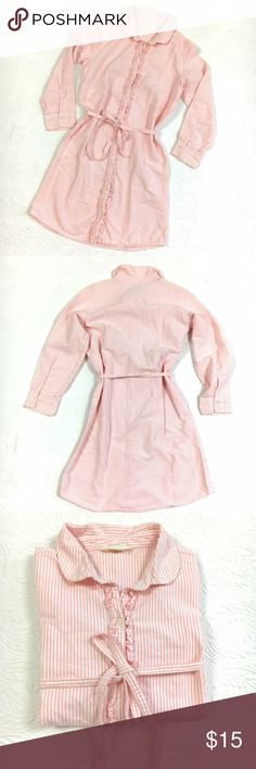 Land's End Girls Shirt Dress sz 10 Land's End Girls Pinstripe Shirt Dress sz 10. Excellent clean preowned condition. Made of Baumwolle German Cotton.  👍OFFERS Welcome 🚫no trades pls Lands' End Dresses