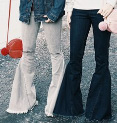 $136 Denim flared. bell bottom jeans. trendy pants. red pom pom cross-body. denim goals. street style. Bell Bottom Pants, Bell Bottoms, Fashion Killa, Women's Fashion, Flare Jeans Outfit, Classy Dress, Jean Outfits, Refashion, Jeans Style