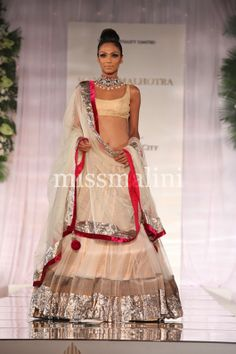indian bridal week - manish malhotra lengha.
