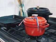 Cocotte Round / Cherry 🍒 この赤い色は可愛さじゃない 強さだ STAUBは道具であり戦友、長い付き合いのな 🔻 #STAUB #cocotte #14cm #ストウブ #ココット #鍋 #cherry #kitchen #madeinfrance #🇫🇷