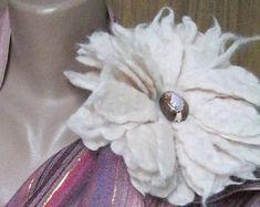 brooch boho style flower.ultraviolet shell,cream flower,Felt flower brooch,Vintage style.Natural jewelry.Felt brooch,Gift for her,boho style