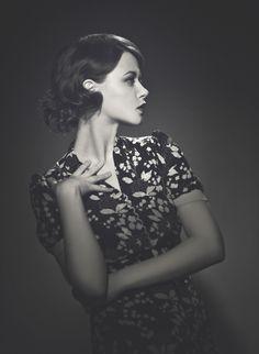 Jenovefa Bokova Prague, Tree Branches, Retro Fashion, Art Pieces, Inspirational, How To Make, Women, Artworks, Art Work