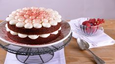 The best recipes and video recipes for chefs and chefs in Canal Cocina – Cana … - Chef HELEN LOG Easy Chocolate Chip Cookies, Chocolate Cake, Red Velvet Cake, Pastel Red, Cake Photography, Cupcakes, Food Cakes, Sweet Bread, Vanilla Cake