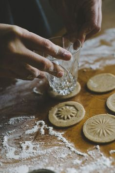 Winter cookies by Babes in Boyland// don't know whether to pin this for the dessert or the photography. Christmas Treats, Christmas Baking, Christmas Cookies, Christmas Biscuits, Christmas Recipes, Italian Christmas, Snowflake Cookies, Flower Cookies, Valentine Cookies