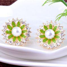 Glass #Pearl #Earring, flower design.