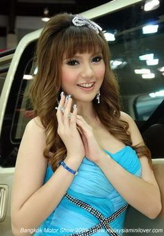 The Bangkok Motor Show 2009 was held at April car girls or pretty car  girls, and some of Thailand's cutest models picture