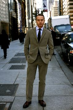 Cantarelli suit, posted by the Sartorialist in 2006. Is this an old pic of Michael Bastian?