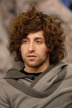 joe trohman, always love boys with messy and extremely curly hair :P