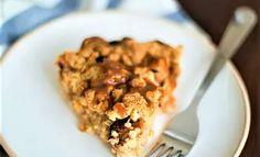 UKENS KAKE: Har du noen skrukkete epler, er denne desserten en halvtime unna - Aperitif.no Oatmeal, Dessert, Baking, Breakfast, Food, The Oatmeal, Morning Coffee, Rolled Oats, Deserts