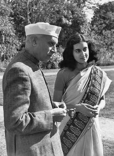 Henri Cartier-Bresson/Prime minister Nehru and his daughter, Indira Gandhi, 1947