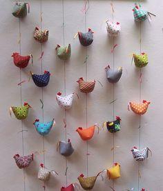 cortina de galinhas - Ateliê Paloma Bragança