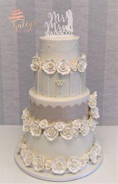 White on white wedding cake with gum paste roses Cake Photos, Good Enough To Eat, Holiday Cakes, Gum Paste, Special Day, Wedding Cakes, Bridal Shower, Pastel, Wedding Ideas