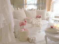 Oh. My. so absolutely serene and perfect! Yummy vintage whites white decor romantic prairie farmhouse cottage style