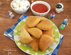 PANZEROTTI AL FORNO sono perfetti perun buffet di compleanno ocome snack. PANZEROTTI AL FORNO sono preparati con un involucro di pasta....