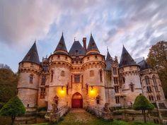 castle for sale: chateau de vigny Beautiful Castles, Beautiful Places, Europa Tour, Chateau Medieval, French Castles, Gate House, Fantasy Castle, Historical Monuments, French Chateau
