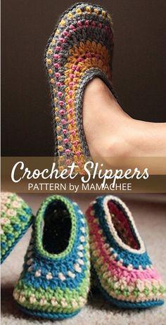 Easy Crochet Slippers, Crochet Slipper Boots, Crochet Socks Pattern, Crochet Stitches Patterns, Knit Or Crochet, Free Crochet Slipper Patterns, Things To Crochet, Crochet House, Crochet Mandala Pattern
