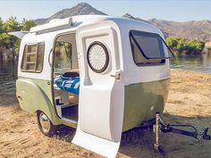 Lightweight retro-modern camper boasts a modular, adaptive interior (Video)