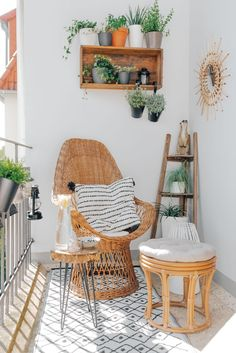 Trendy Home Dco Rustic Couch 27 Ideas Small Balcony Decor, Balcony Design, Balcony Ideas, Balcony Garden, Apartment Balcony Decorating, Apartment Balconies, Cozy Apartment, Living Room Bedroom, Home Decor Bedroom