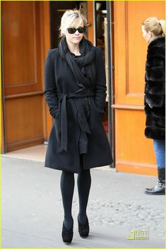 Reese Witherspoon in Paris